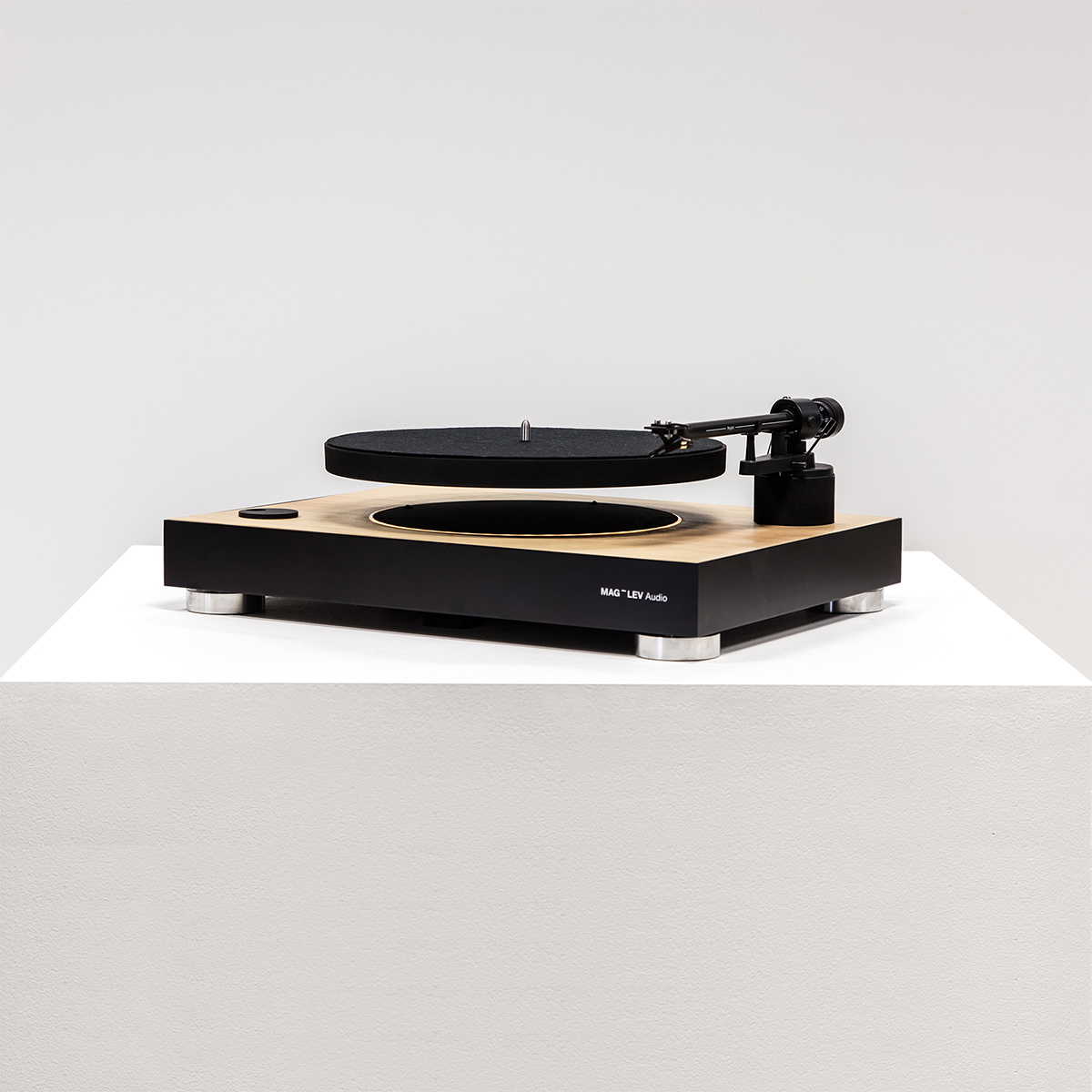 MAG-LEV recordplayer